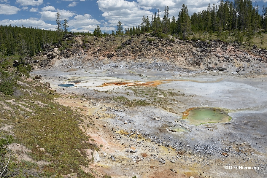 Hot spring SSHGNN008, Shoshone Basin Yellowstone